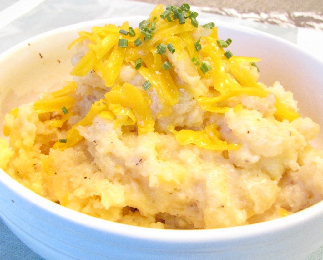 Crockpot Cheddar Mashed Potatoes | Crockpot Gourmet