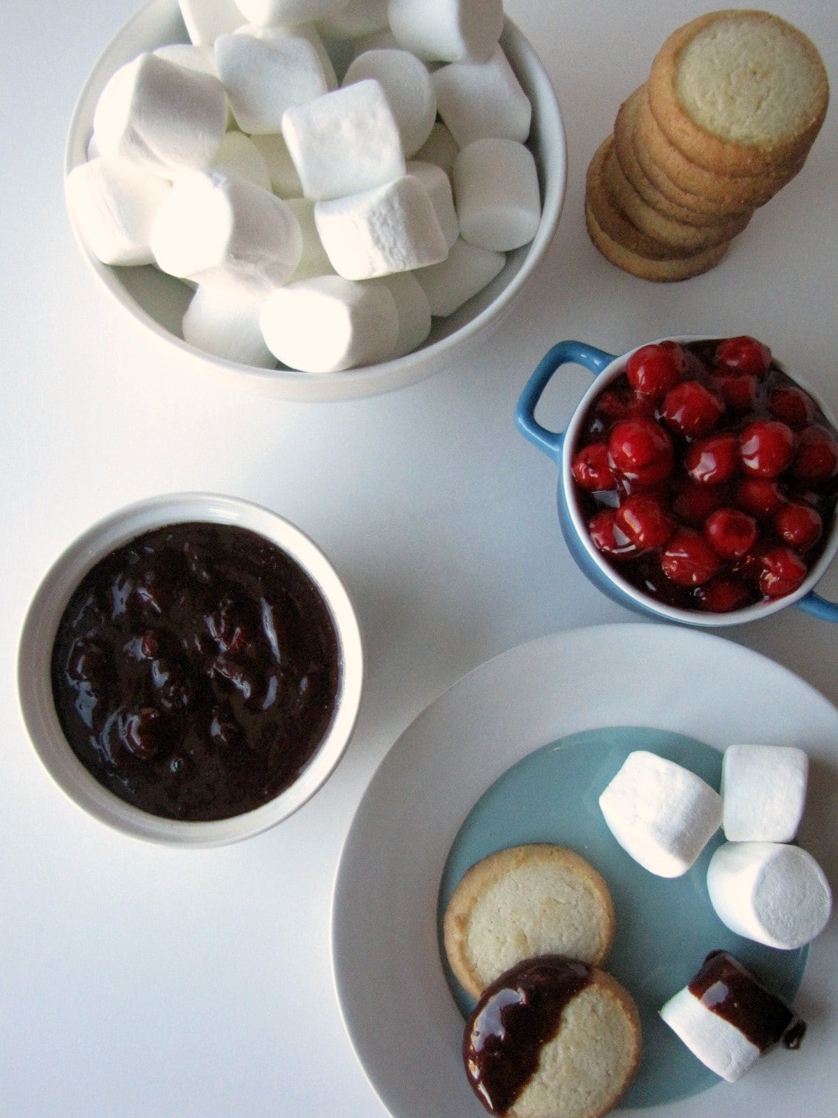 Slow Cooker Chocolate Cherry Fondue