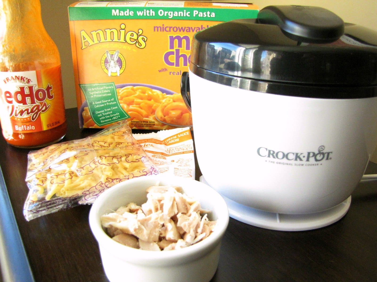 Slow Cooker Buffalo Chicken Mac and Cheese, Lunch Size!!