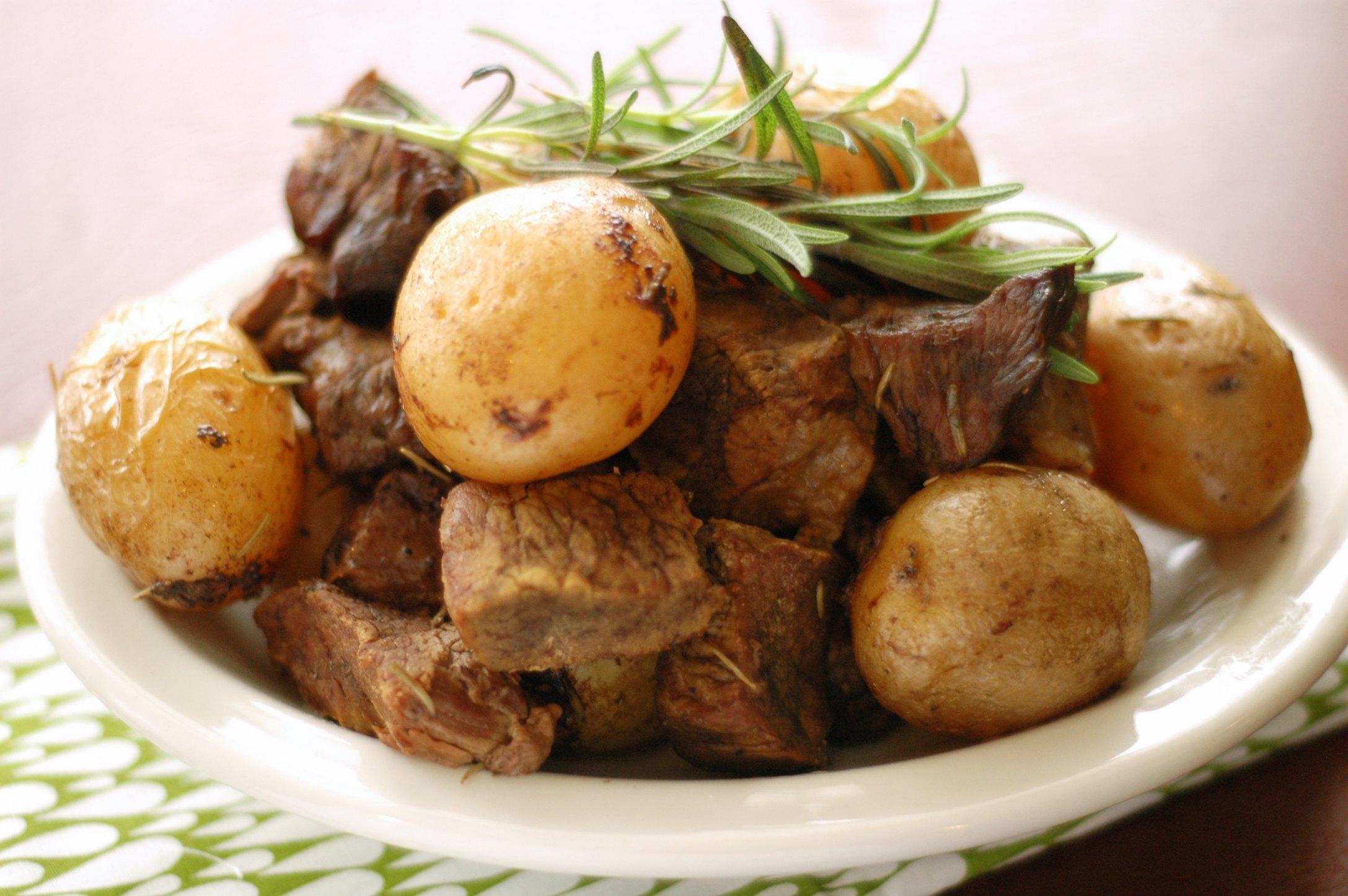 Slow Cooker Honey Rosemary Steak and Potatoes