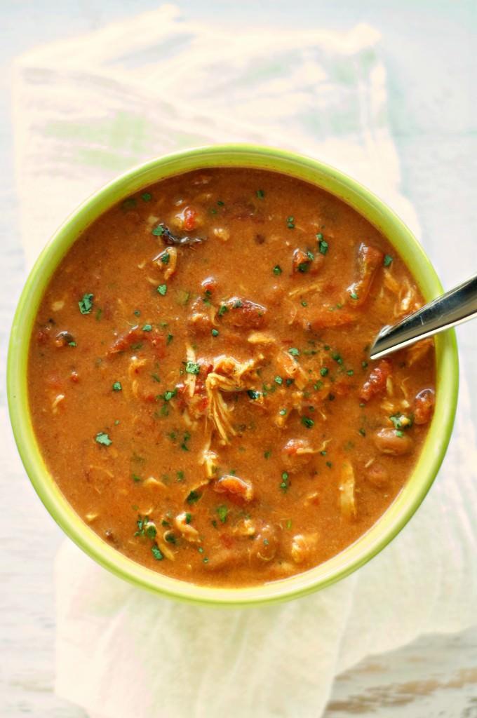 Slow Cooker Cheesy Chipotle Chicken Chili