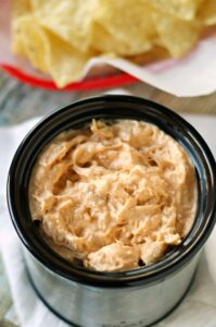 Crockpot Honey Sriracha Chicken Dip