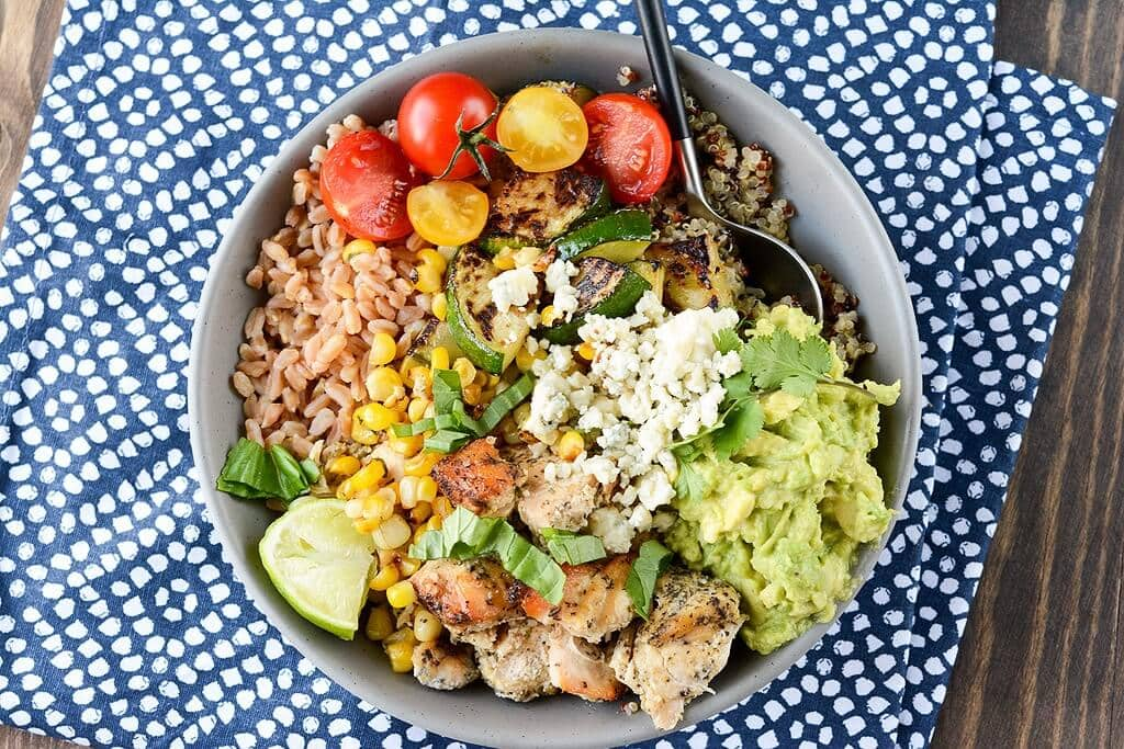 Who doesn't love a meal in a bowl? These Slow Cooker California Chicken bowls utilize fresh ingredients along with the ease of the slow cooker for a fresh amazing meal.