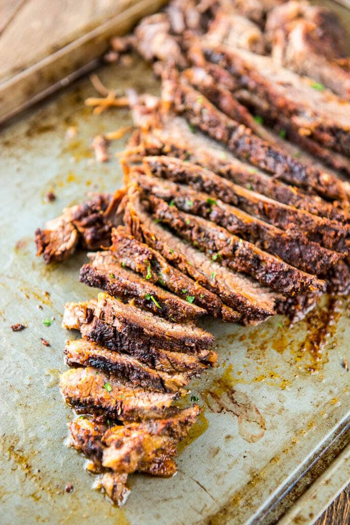 With an amazing homemade seasoning blend, this Slow Cooker Memphis Rub BBQ Brisket is simple to make in the slow cooker and perfect for entertaining!