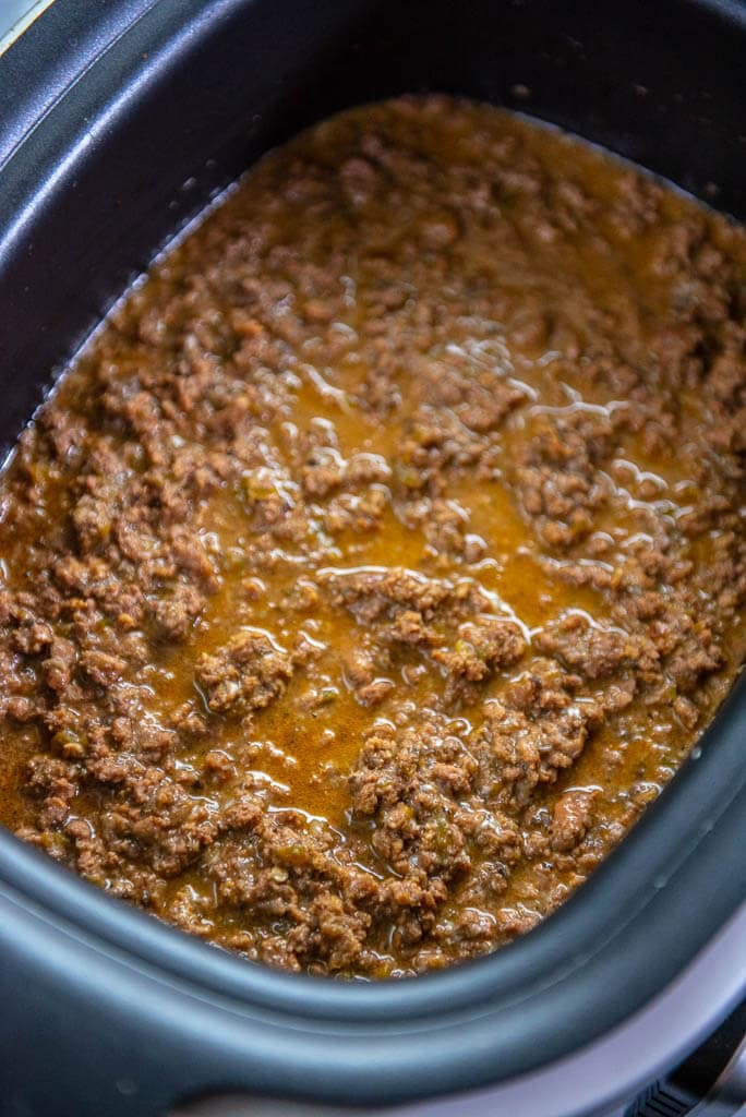 Philly cheesesteak sloppy joes in slow cooker