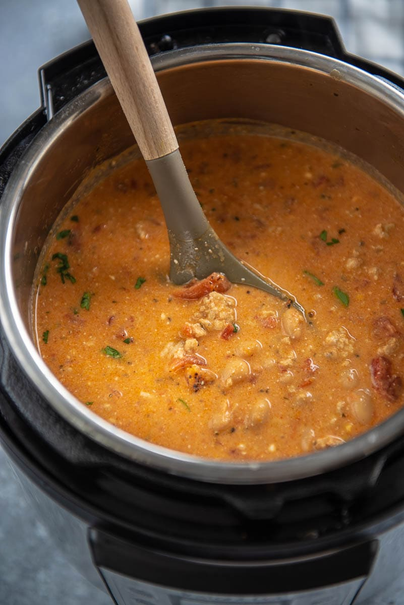 instant pot filled with buffalo chicken chili